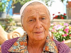 Hedefim Sensin - Ayten Uncuoğlu - Anne Kimdir?